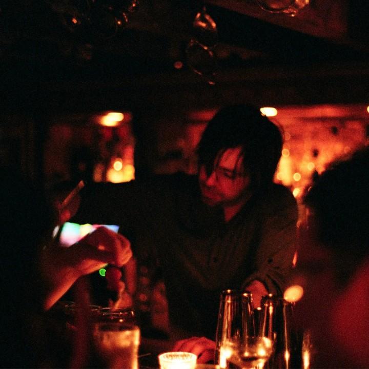 DicountSuitCompany-Matt-lifestyle-cocktail-bar-london-crop-01