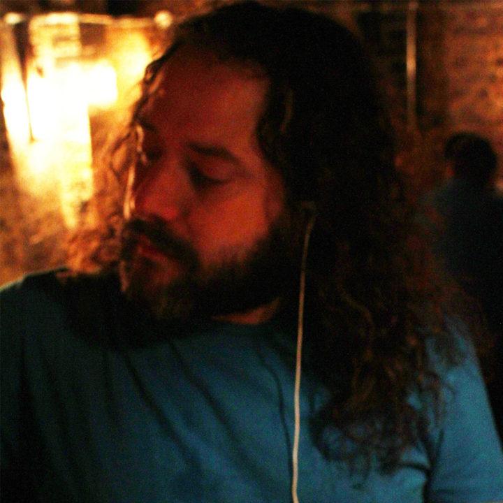 Eli Silverman-discountsuitcompany-DJ-cocktail-bar-london-edit-crop-36