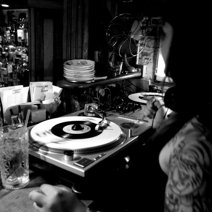 AnneFrankenstien-DJ-discountsuitcompany-crop-02