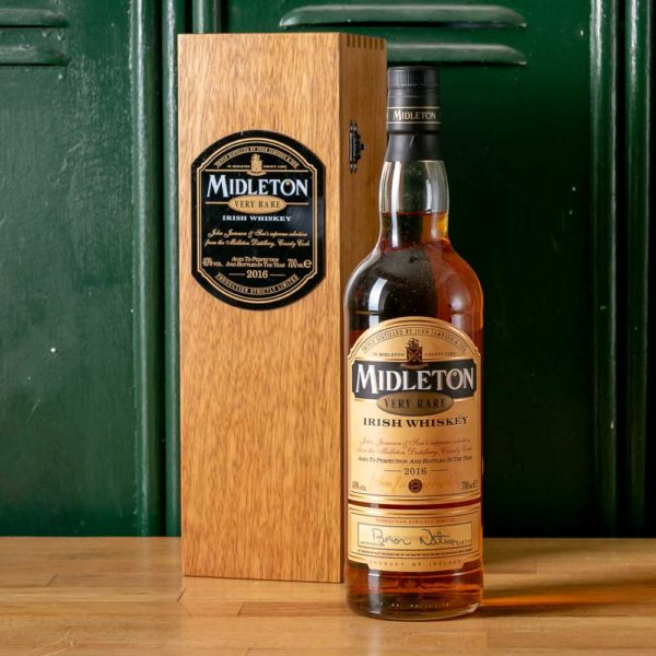 Midleton Very Rare 2016. A bottle of whiskey by Midleton.